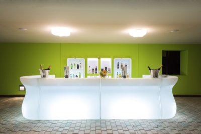 """""""Bartolomeo"""" bancone bar in polietilene luminoso_arredo modulare_R.G.Manifatture"""
