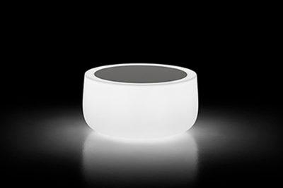 Tavolino Bold_Arredo in polietilene luminoso_R.G.Manifatture